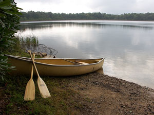 boat and oars on a Pennsylvania lake shore